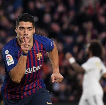 Luis Suárez anotou um hat-trick no clássico
