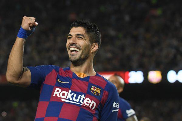 Suárez, celebrando o gol contra o Sevilla