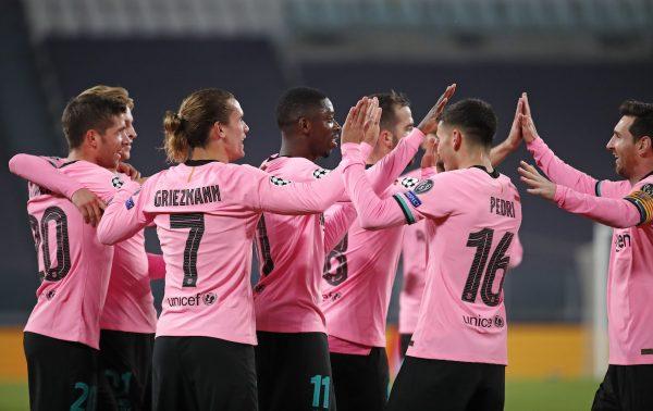 Os craques do Barça celebram a vitória histórica contra a Juventus (0-2), em Turim.