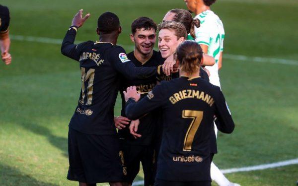 De Jong oma quatro gols e quatro assistências na atual temporada.