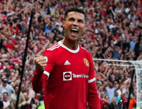 Cristiano Ronaldo comemora um gol na vitória do Manchester United por 4 a 1 sobre o Newcastle / Twitter: @ManUtd